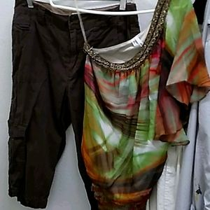 Set Studio Y blouse / St. John's Bay cargo pants